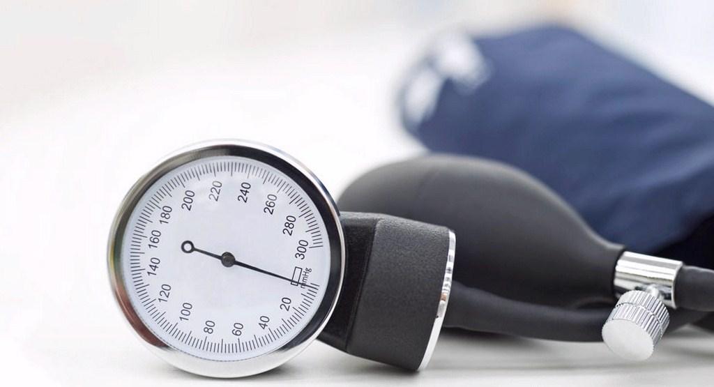 بهترین روش های درمان افت فشار خون کدامند